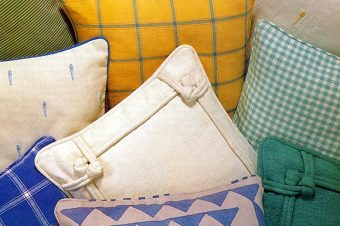 How to Make Piped Cushions In 8 Steps