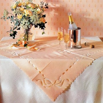 Cut Paper Tablecloth In 8 Steps